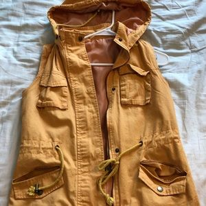 Yellow hooded vest. Size large.